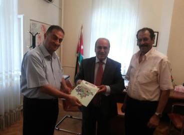 Înmânarea Diplomei de Onoare E. S. Dl. Ambasador Munther Said QABBA' AH